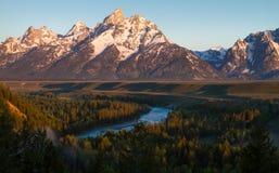 Tetons und Snake River Stockbild