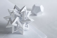 Tetraeder und dodecahedron gemacht vom Papier Lizenzfreies Stockbild