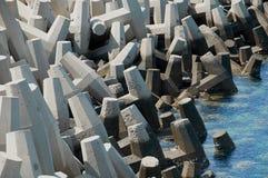 Tetrapods concretos usados para a proteção litoral Foto de Stock Royalty Free