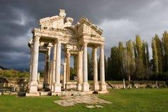 Tetrapylon dos Aphrodisias imagens de stock royalty free