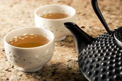 Tetsubin et cuvettes de thé Images libres de droits