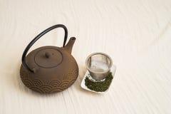 Tetsubin-Roheisen-Teekanne Lizenzfreie Stockfotos