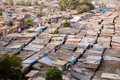 Tetti dei bassifondi in Mumbai immagine stock