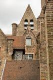 Tetti del Memlingmuseum, Bruges, Belgio Immagine Stock