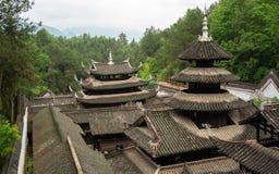 Tetti del palazzo nella città antica imperiale di Enshi Tusi in Hubei Cina fotografia stock