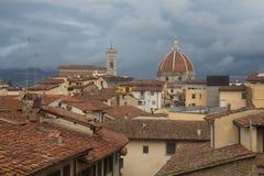 Tetti e Florence Cathedral rossi su fondo tuscany L'Italia Fotografia Stock Libera da Diritti