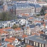 Tetti piastrellati a Delft in primavera Immagine Stock
