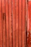 Tetto arrugginito metallico a strisce rosso Fotografie Stock Libere da Diritti