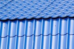 Tetto blu del metallo Fotografie Stock