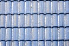 tetto ceramico blu con polvere Fotografia Stock Libera da Diritti