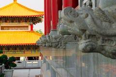 Tetto cinese del tempio con variopinto Immagine Stock