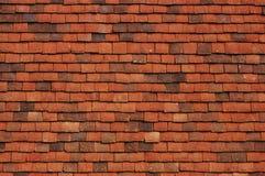 Tetto coperto di tegoli rosso Fotografie Stock