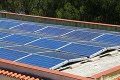 Tetto dei pannelli solari Fotografia Stock