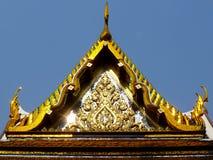 Tetto del tempio a Bangkok, Tailandia Fotografia Stock