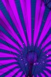 Tetto del tipo di ombrello futuristico della tenda di Sony Center a Berlino immagini stock