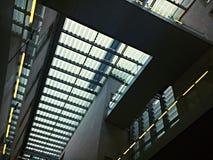 Tetto dell'edificio per uffici Immagine Stock Libera da Diritti