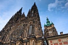 Tetto della cattedrale gotica della st Vitus Immagini Stock