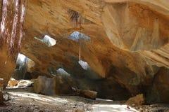 Tetto della caverna con la luce delle nature fotografia stock libera da diritti