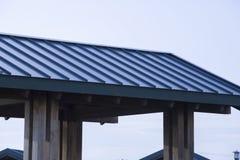 Tetto di alluminio blu Fotografie Stock Libere da Diritti