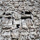 Tetto di legno del bruciato di fuori costruire Fotografie Stock Libere da Diritti
