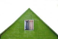 Tetto di legno verde della casa Fotografie Stock