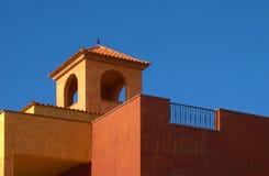 Tetto di mattonelle arancione Fotografie Stock Libere da Diritti