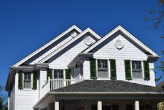 Tetto di stile del timpano sulla casa in Cape May, New Jersey fotografia stock libera da diritti