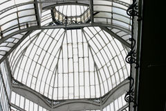 Tetto di vetro e d'acciaio Fotografie Stock