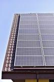 Tetto fotovoltaico dell'energia rinnovabile Fotografia Stock Libera da Diritti