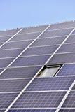 Tetto fotovoltaico dell'energia rinnovabile Immagine Stock Libera da Diritti