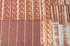Tetto galvanizzato della ruggine del ferro Fotografie Stock