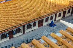 Tetto giallo del tempio quella vista dalla statua ottagonale di Guanyin di pavillion di Kek Lok Si Temple a George Town Panang, M Fotografie Stock