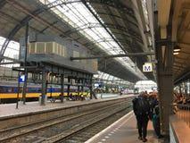 Tetto monumentale di Amsterdam della stazione centrale fotografia stock libera da diritti