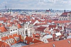 Tetto rosso di Praga Immagine Stock