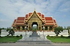 Tetto tailandese dell'arancia del padiglione Fotografie Stock Libere da Diritti