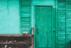 Tettoia blu della campagna fotografie stock libere da diritti