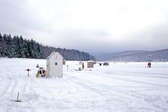 Tettoie della pesca sul ghiaccio Immagine Stock Libera da Diritti