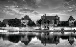 Teutońscy rycerze w Malbork kasztelu w lecie Zdjęcie Royalty Free