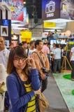 De bezoeker stelt bij de Markt van de Foto van Thailand teleur royalty-vrije stock afbeeldingen