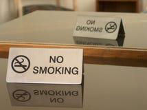 Tevreden nr dat - rookt! royalty-vrije stock afbeelding