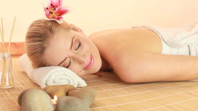 Tevredenheid en Relaxation Spa Therapie stock video