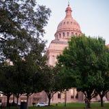 Texas Capitol Building på solnedgången arkivbilder