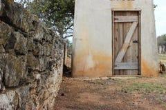 Texas-Hügelcountry rock-Wand und -Brunnenhaus Stockbilder