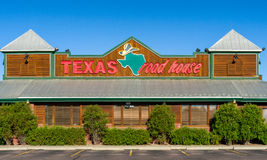Texas Roadhouse Exterior Sign und Logo Lizenzfreies Stockfoto