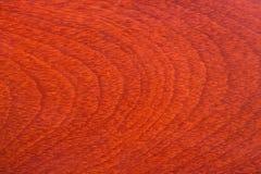 Texrure natural de madeira avermelhado escuro imagens de stock