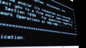 Text auf Terminallängen der dienstzeit eines Bildschirms stock footage