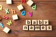 Text BABY NENNT O stockfoto