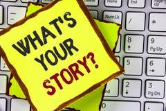 Text a exibição do sinal o que é sua pergunta da história Foto conceptual que diz a narração pessoal das experiências anteriores  imagens de stock royalty free