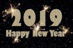 Text för lyckligt nytt år 2019 av silverfärg på svart fotografering för bildbyråer