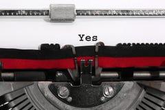 Text JA geschrieben mit der alten Schreibmaschine Lizenzfreie Stockbilder